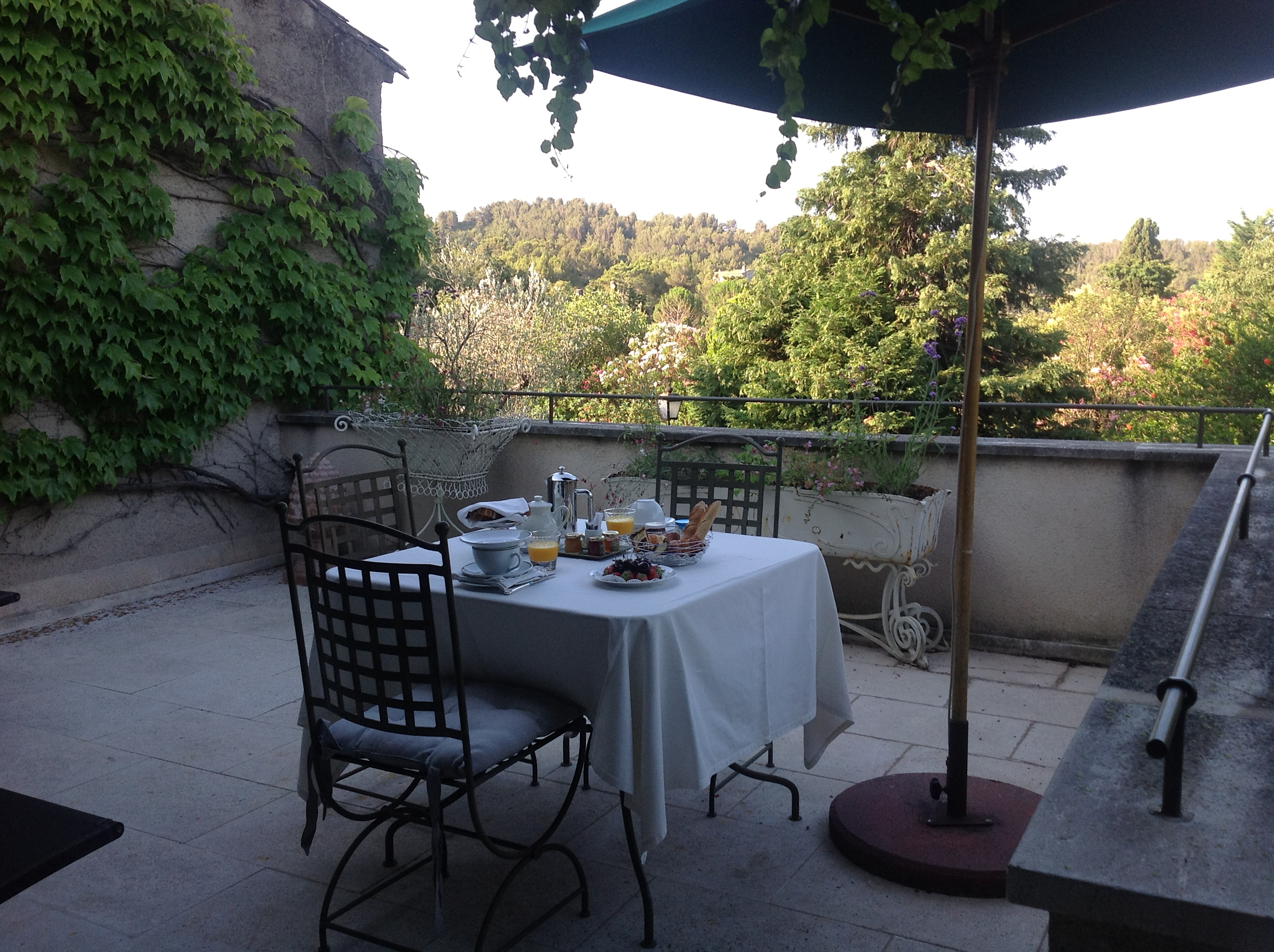 Relais chateau french for a while for Breakfast terrace